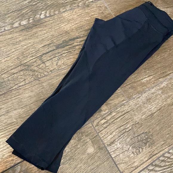 lululemon athletica Pants - Lululemon Capri legging size 6